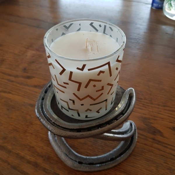Horseshoe candle holder pillar candle holder